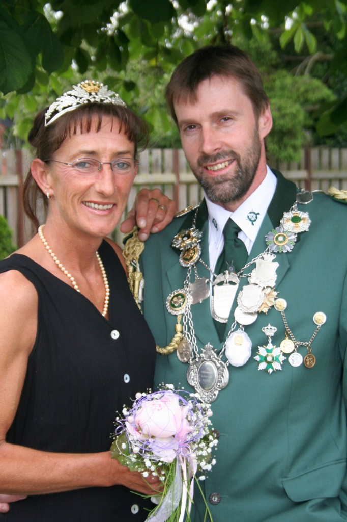 König Heinz-Hermann mit Königin Monika Völlering